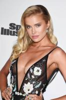 https://t11.pixhost.to/thumbs/246/47306212_47239435_tanya-mityushina-sports-illustrated-2017-fashionable-50-celebration-in.jpg