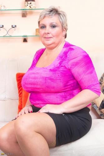 indo nude breast